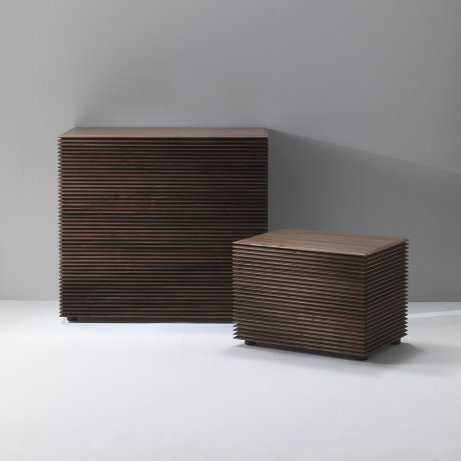 Chest of drawers solid walnut riga porada luxury for Furniture riga