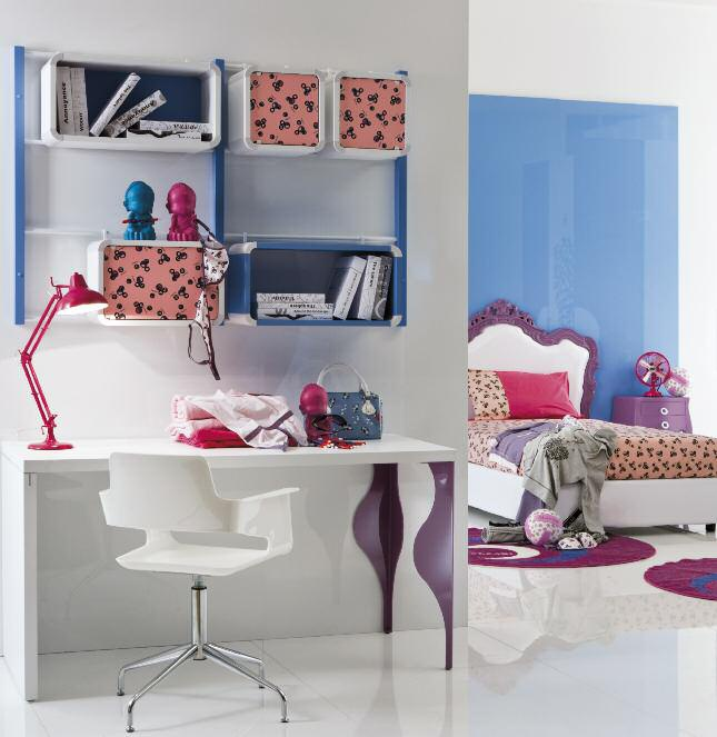 A set for the teen room, table, chair, shelf, Di Liddo & Perego