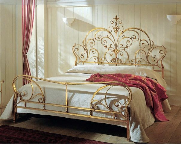 Acanto double bed from Cantori