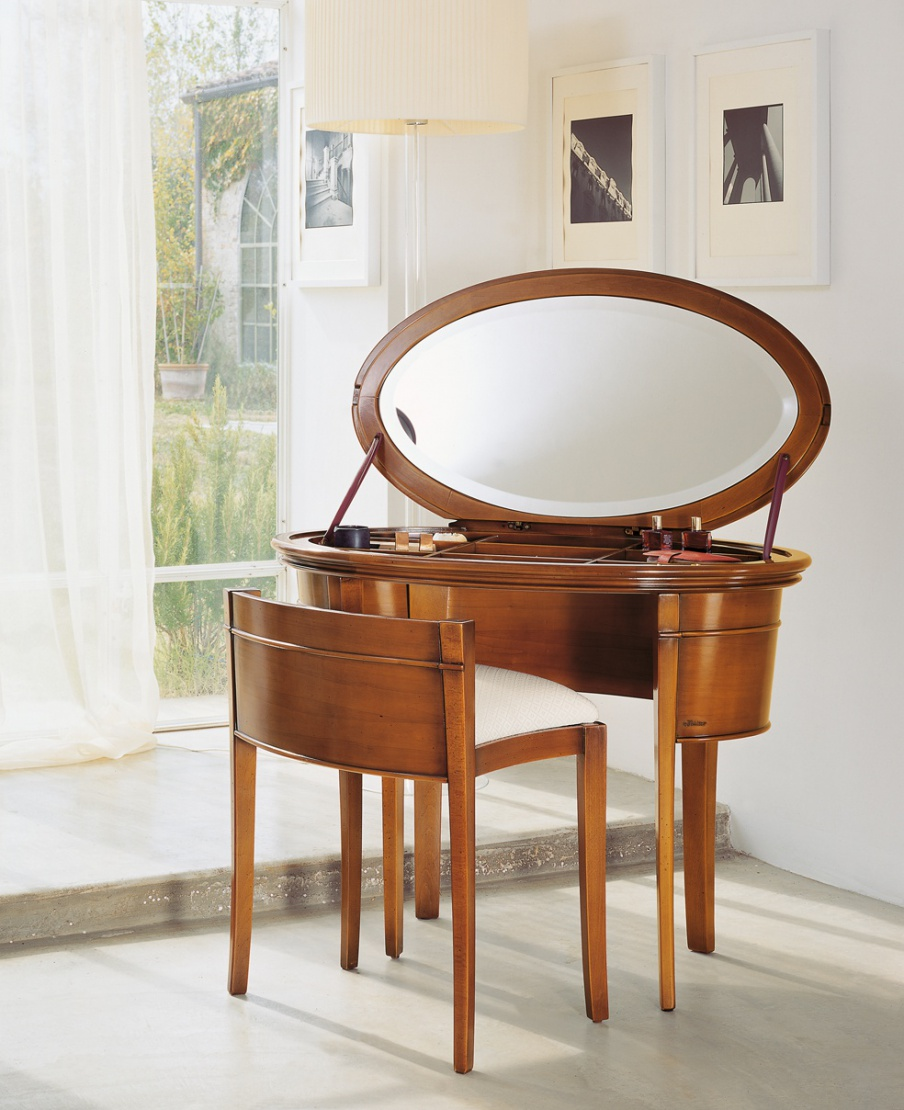 Dressing table on high legs, Le Fablier - Luxury furniture