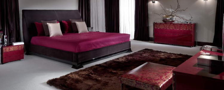 Double bed, from the Italian manufacturer Turri