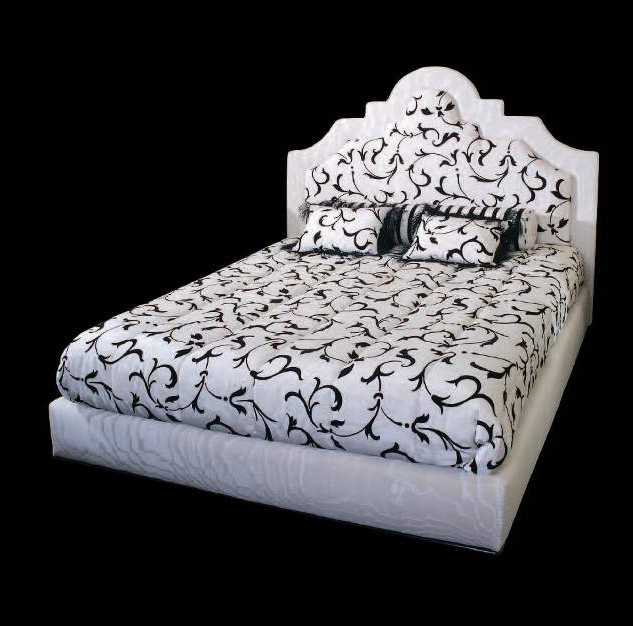 Double bed from Italian manufacturer Wama