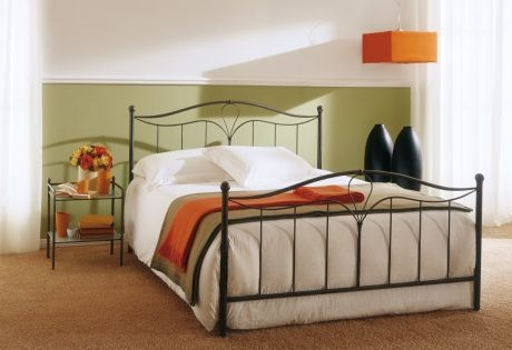 Double bed on metal frame with footboard Siena, Bontempi Casa
