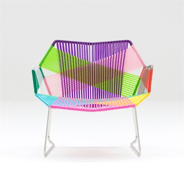 The seat on the frame of steel tubes Tropicalia, Moroso
