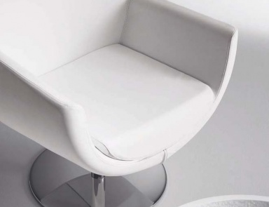 arm chairs for living room a chair on castors swivel chair zoe matteograssi 22507