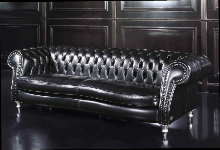 The Majestic Sofa, Epoque
