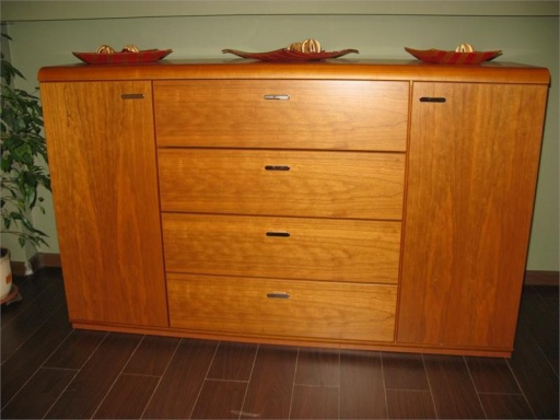 The chest of drawers Venero Sale