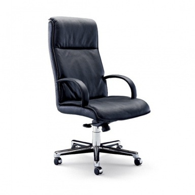The Quattro swivel chair