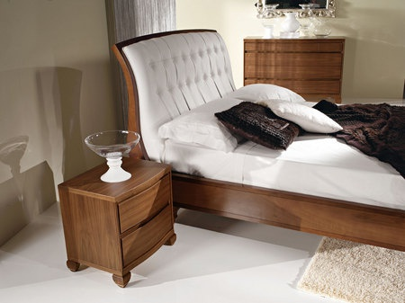 Bed with high headboard'AN 203, Angela Bizzarri