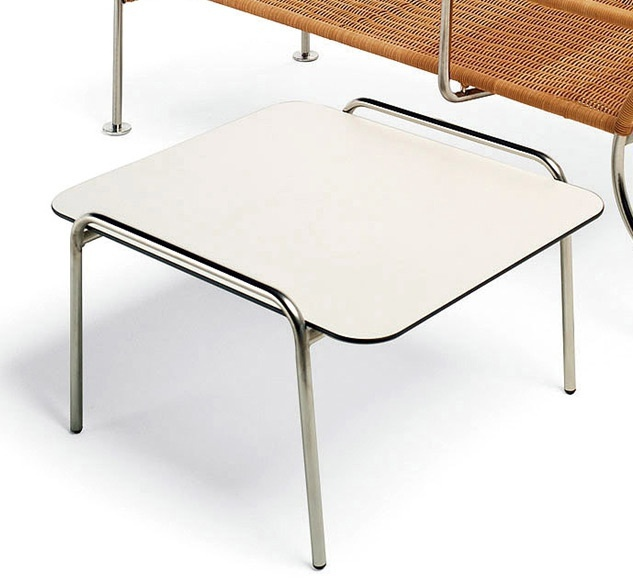 Coffee table with frame made of steel tubes and the top of the multilayer laminate Agratable TBQ, Accademia