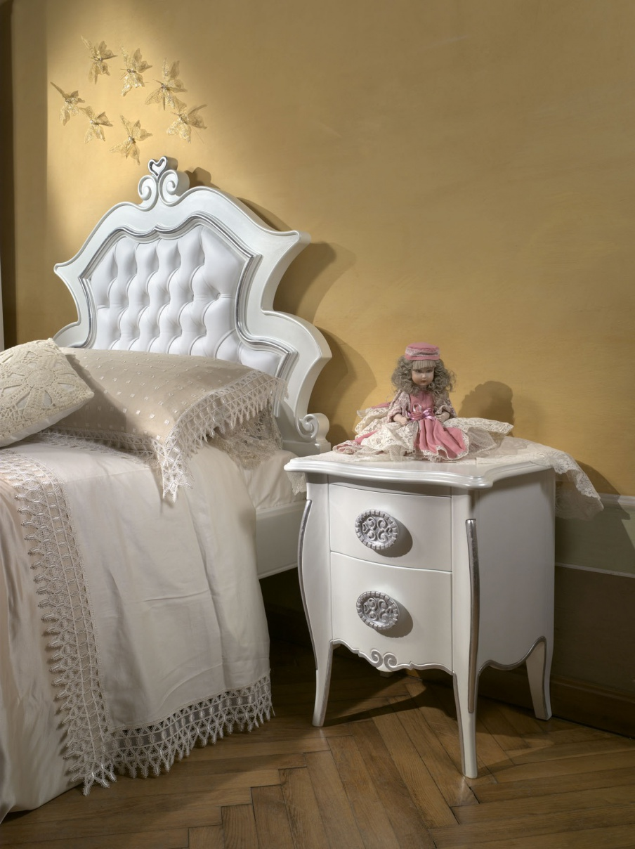 Bedside Cabinet in baby factory Arca