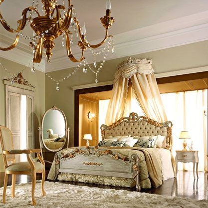 Bed with a frame made of solid wood, upholstery of textile fabric and decoration of gold foil Andrea Fanfani, Andrea Fanfani