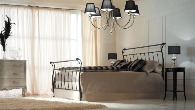 Bed with wrought iron headboard Letto Coc?