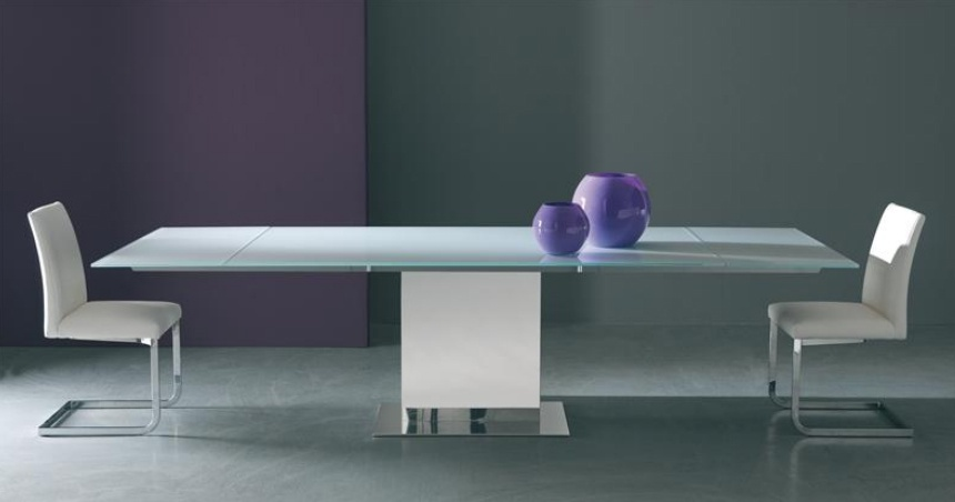 Dining table sliding on the frame made of metal with glass top Oasi, Bontempi Casa