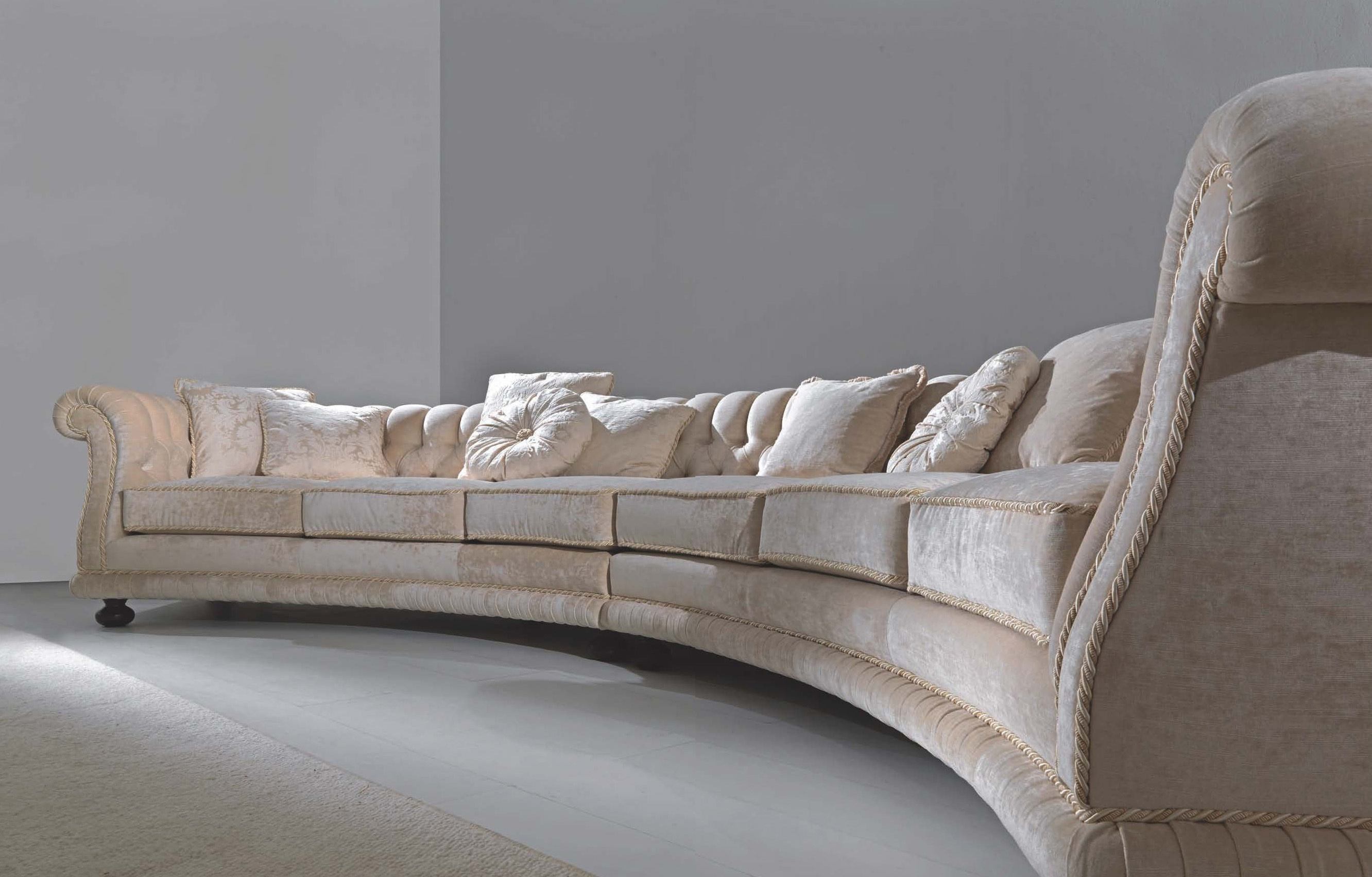 Semi circular sofa versailles asnaghi made in italy for Semi classic sofa
