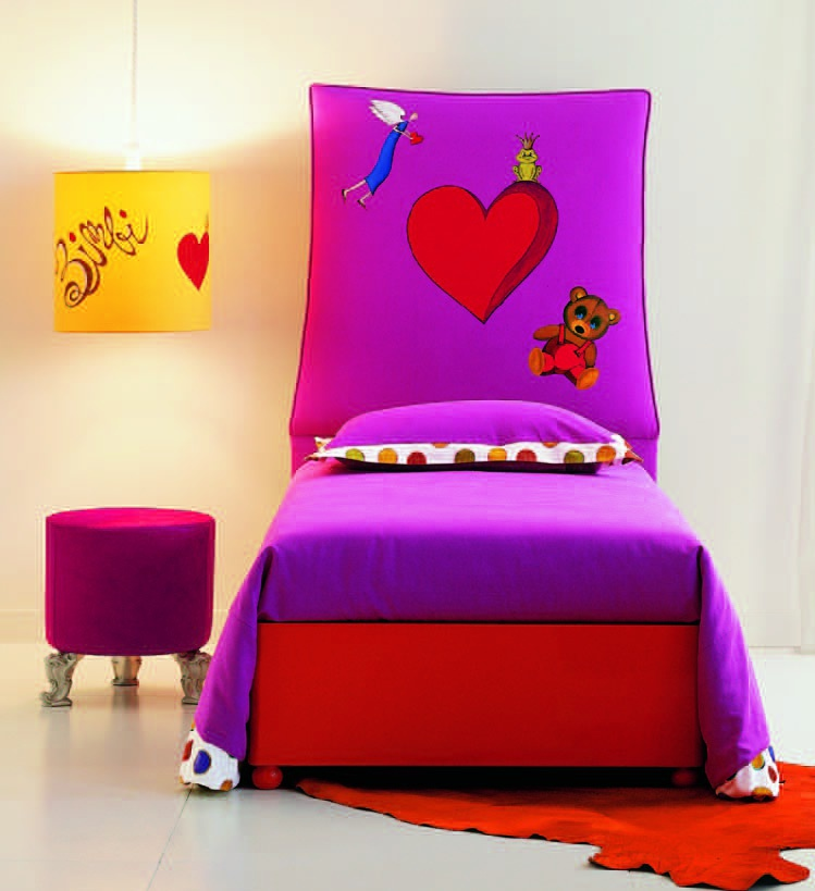 Single bed with high headboard, Creazioni