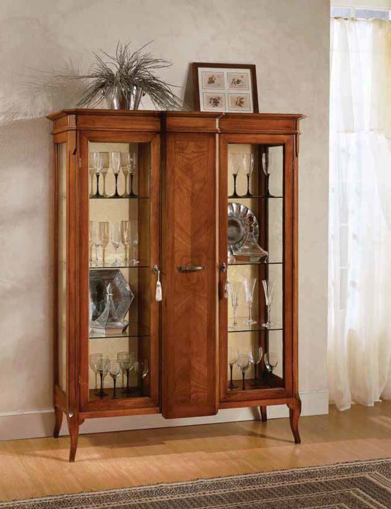 Showcase With A Frame Made Of Natural Wood Scappini C