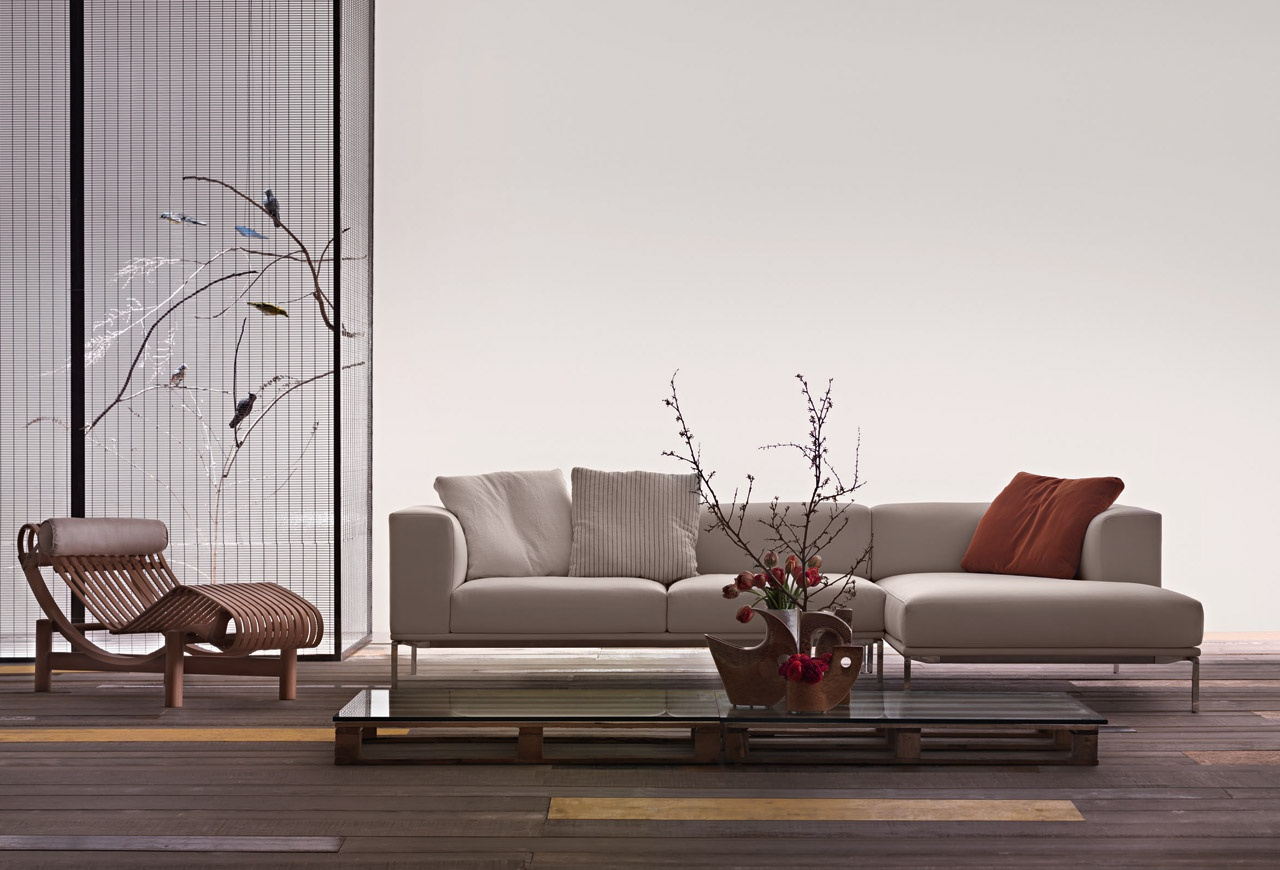 The Modular 191 Moov Sofa On A Metal Frame Cassina