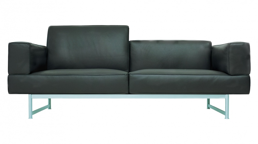 The 260 REEF double sofa, Cassina