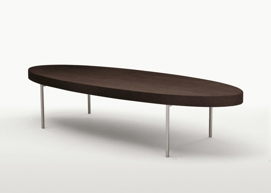 Ebe oval coffee table on low legs maxalto luxury for Low lying coffee table