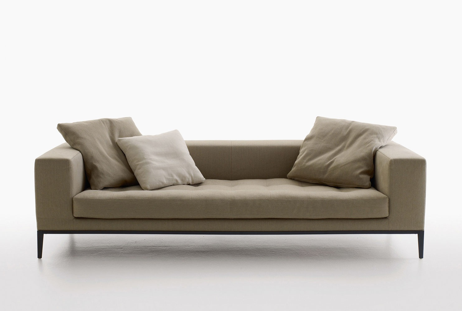 A Sofa With A Low Back Simplex Maxalto Luxury Furniture Mr