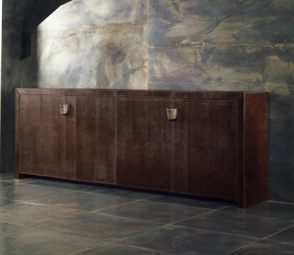 A snack bar with leather upholstery Shiroma Big - Rugiano