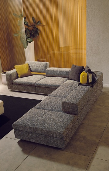 The Oslo Sofa, Acam