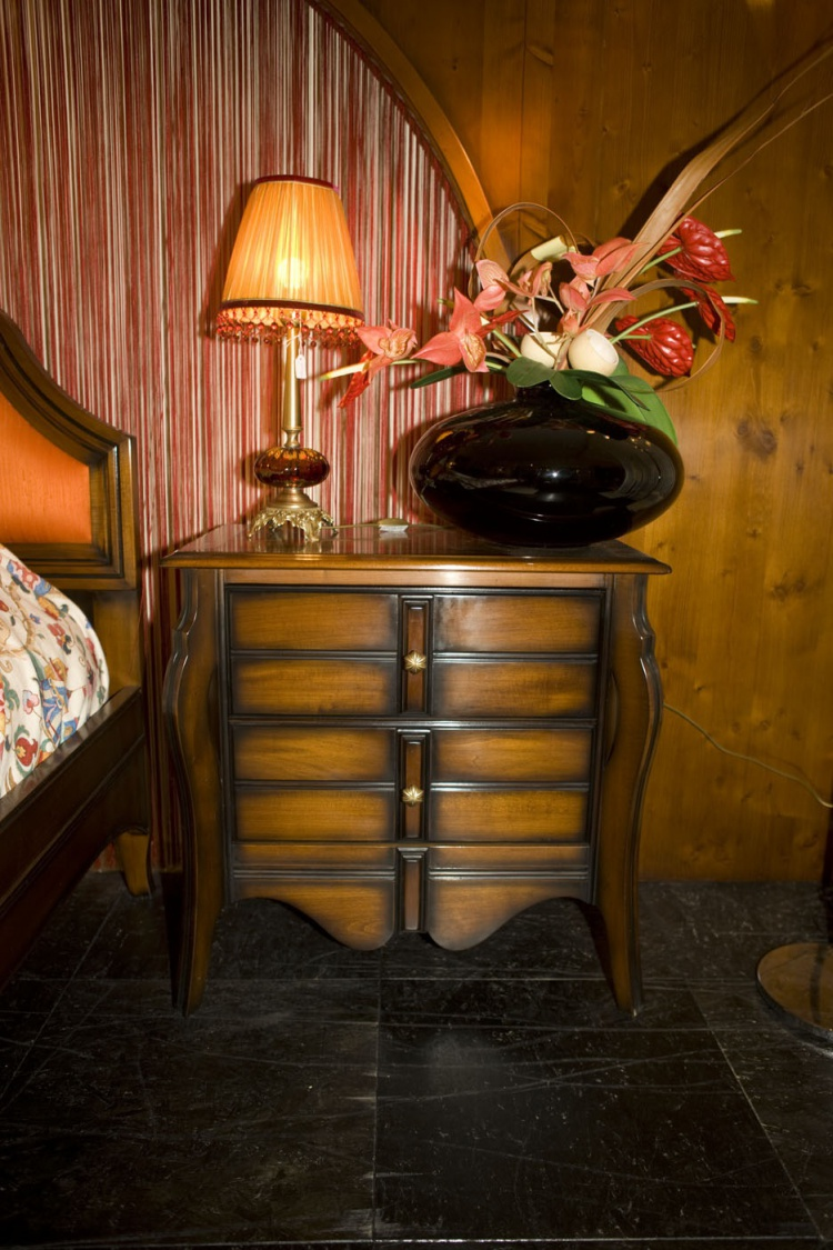 Bedside table, Assi D'asolo