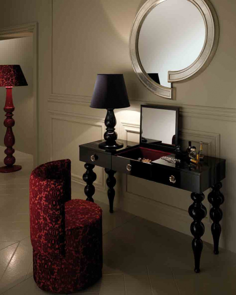 Headsets For Bedrooms With Mirror Philosophy, DV Home