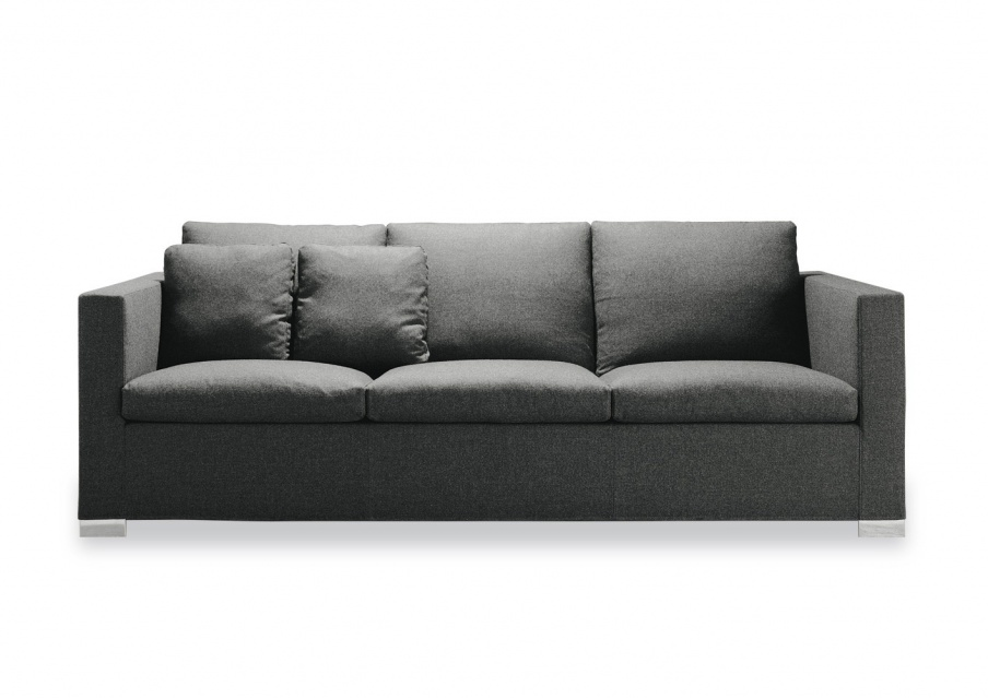 A sofa to relax on deep suitcase minotti luxury for Minotti outlet italy