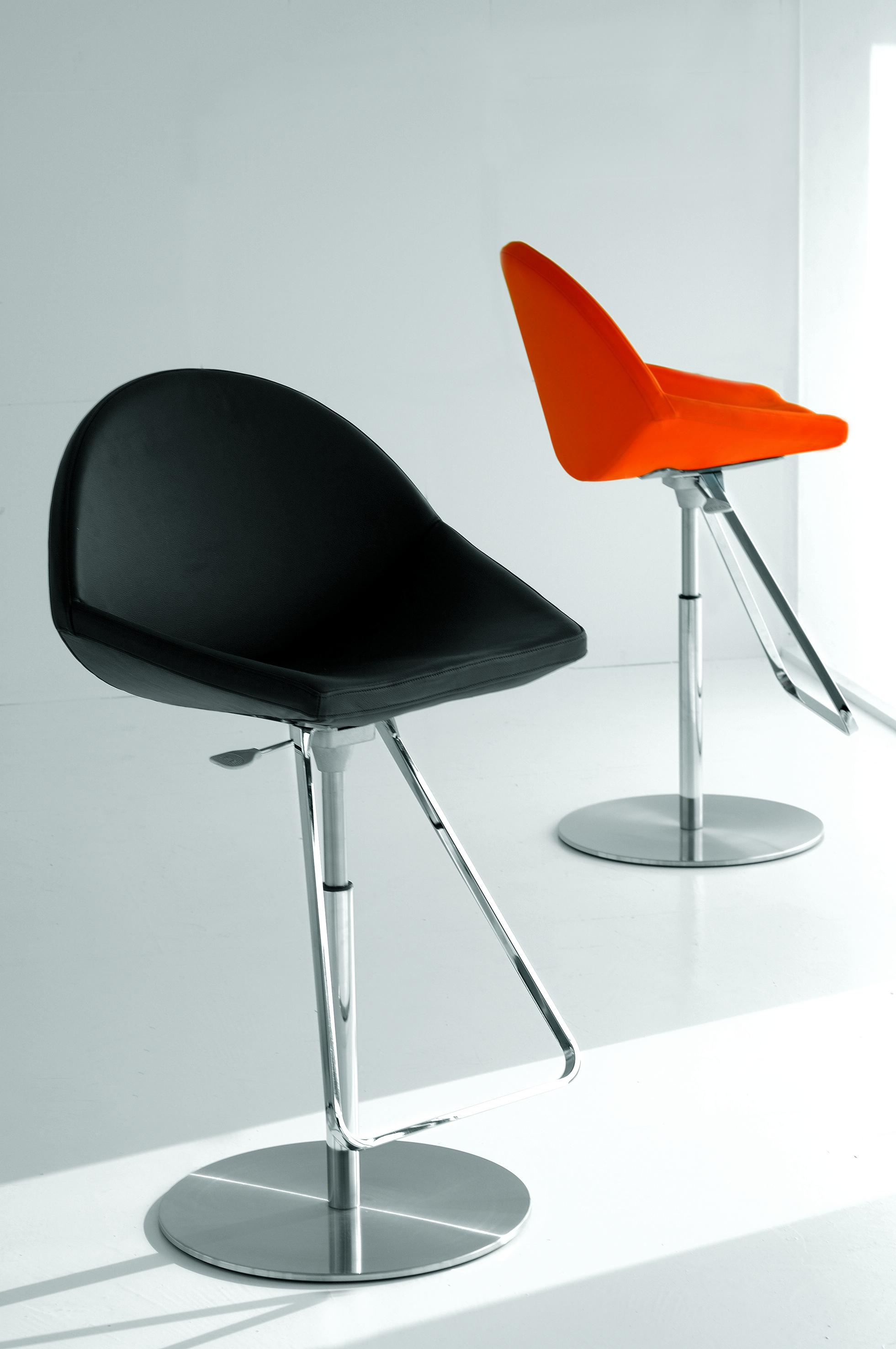 Kiss Bar Stool With Frame Made Of Metal Cattelan Italia