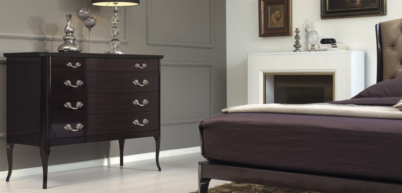 A Chest Of Drawers Vittorio