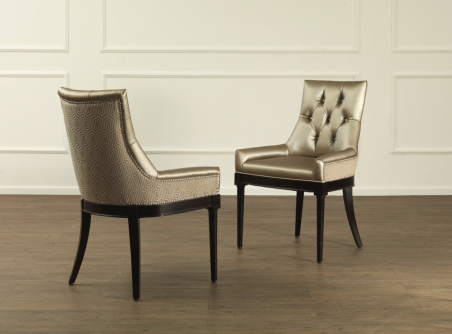 Chair with armrests on a frame of solid wood Gera, Galimberti Nino