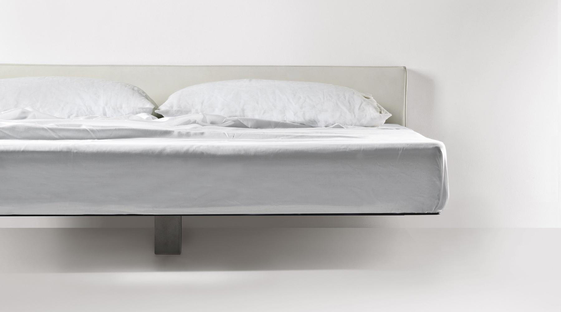 Double Floating Bed Frame From Metal Fluttua R Lago