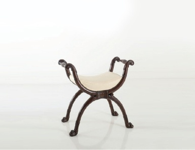 Spectacular classic stools will perfectly complement your for Chelini arredamenti