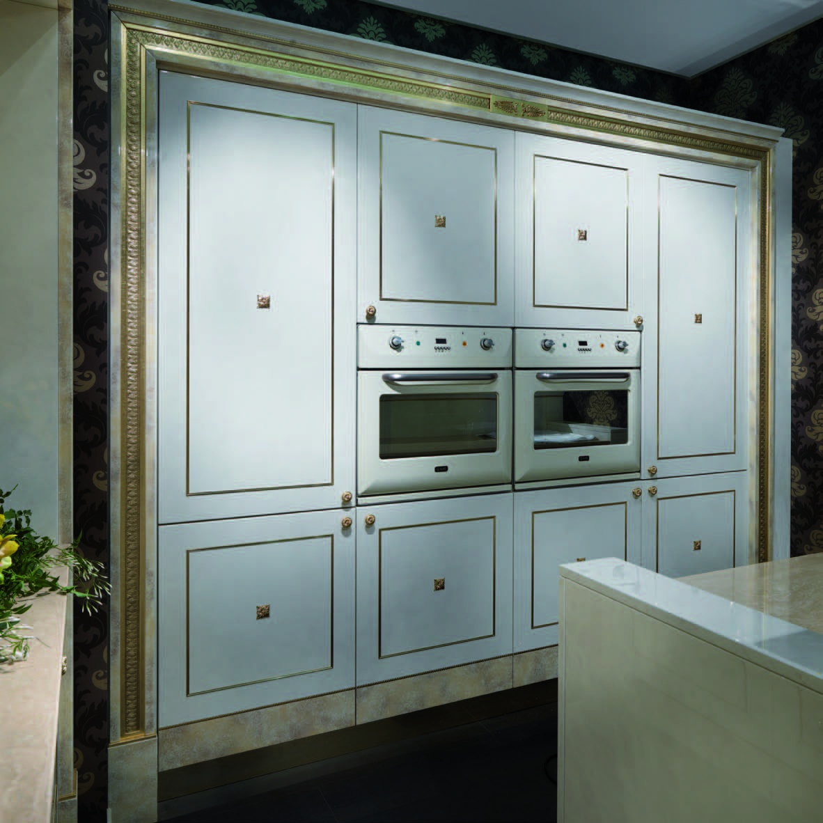 arntor for kitchen with gilt carving handmade Arcade Royale, Turri ...