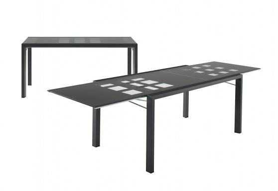 EXTENSIA dining table
