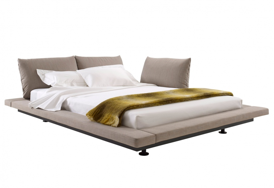 double bed in fabric bett 2 peter maly ligne roset luxury furniture mr. Black Bedroom Furniture Sets. Home Design Ideas