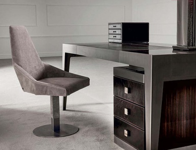 Office chairs and bar swivel stools are the latest trends for Longhi arredamenti