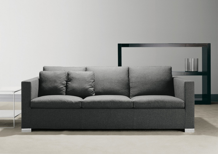 A sofa to relax on Deep Suitcase, Minotti