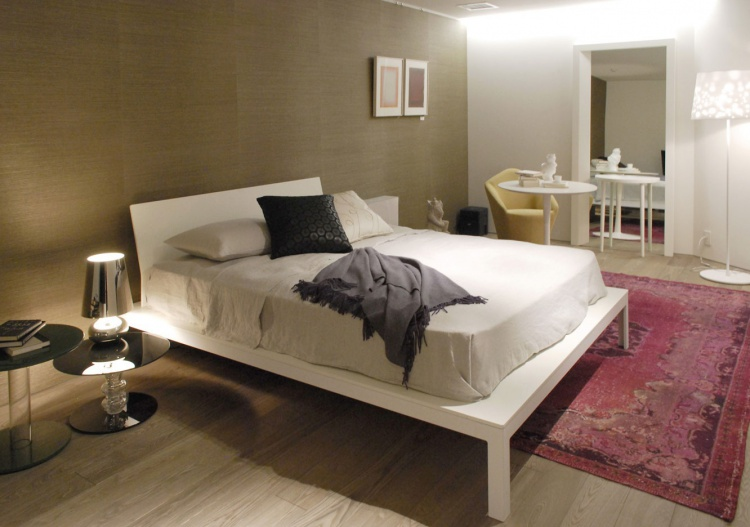 Double bed with headboard, Tokyo - Porro