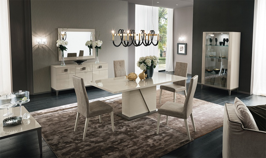 D313 Modern Dining Room Set In White Lacquer Finish: Set For The Dining Room In Glossy Veneer And Lacquer In