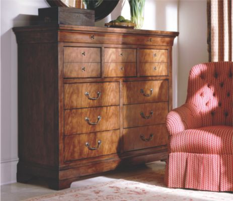 The dresser in the finish of antique cherry Henredon