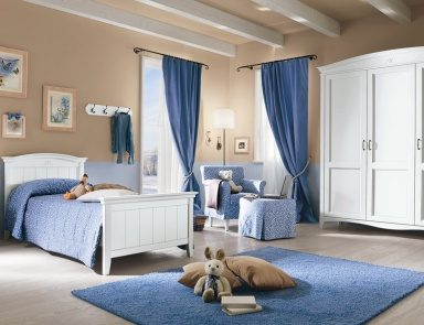 A Set For The Bedroom With Single Bed ROMANZA, Callesella (wrought Iron Bed)