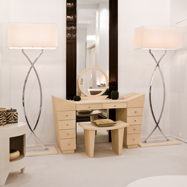 Dressing table, Tura