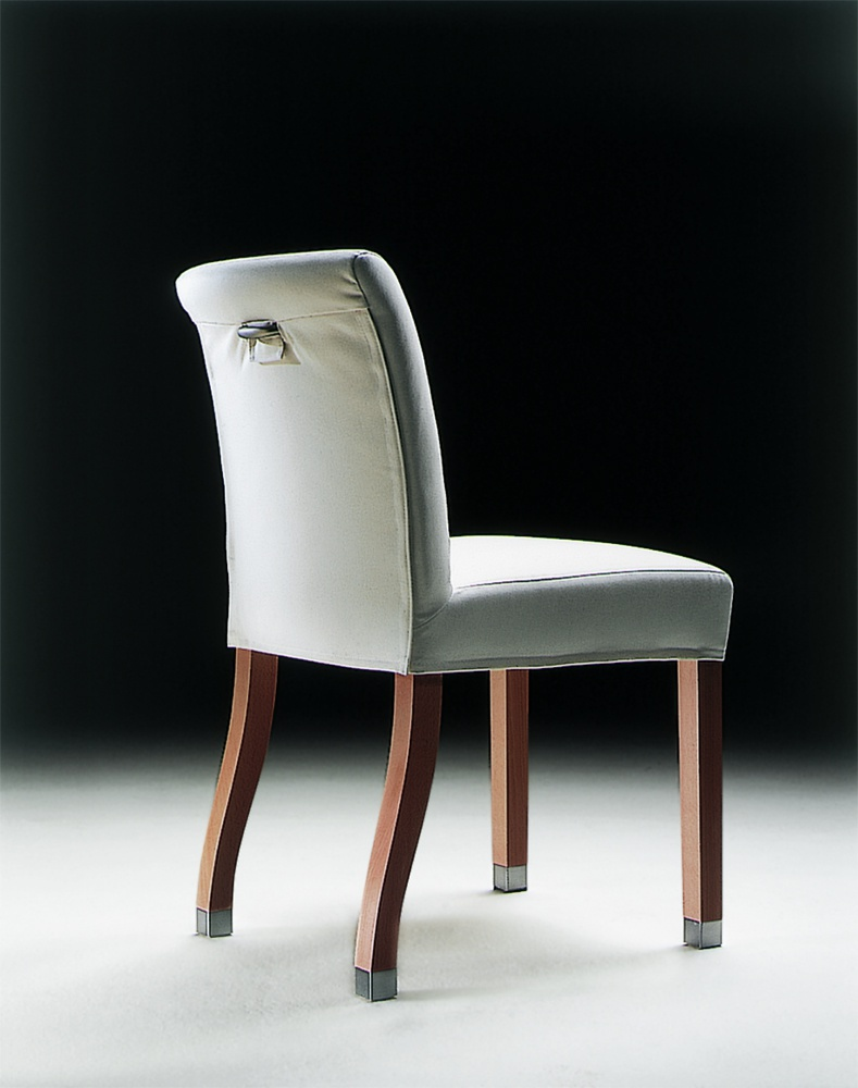 The chair with the frame made of walnut or ash Linda, Flexform